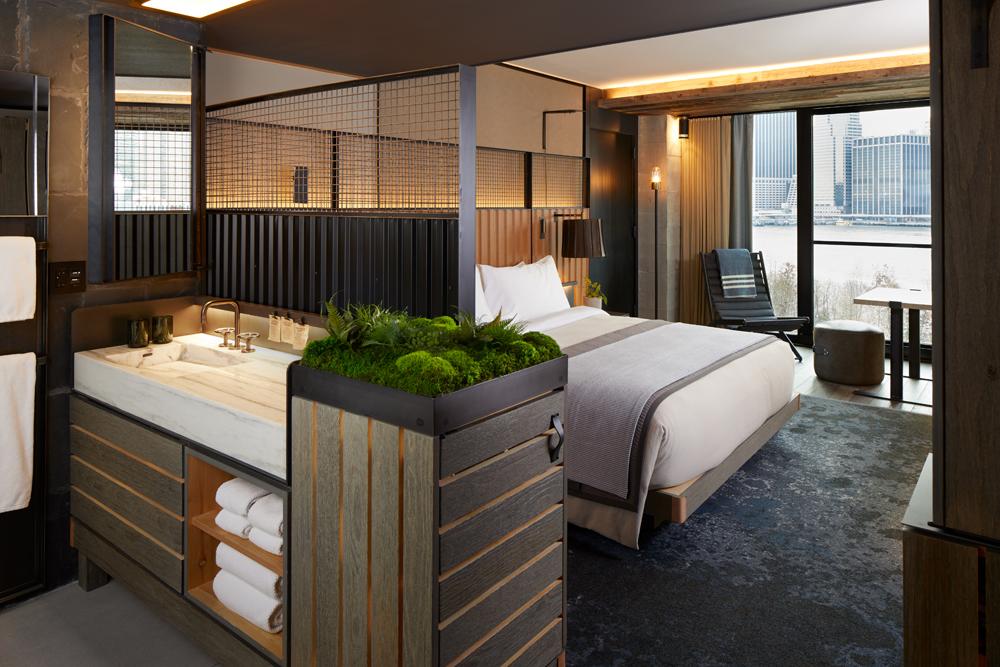 1_Hotel_Brooklyn_Bridge_Skyline_King_HI